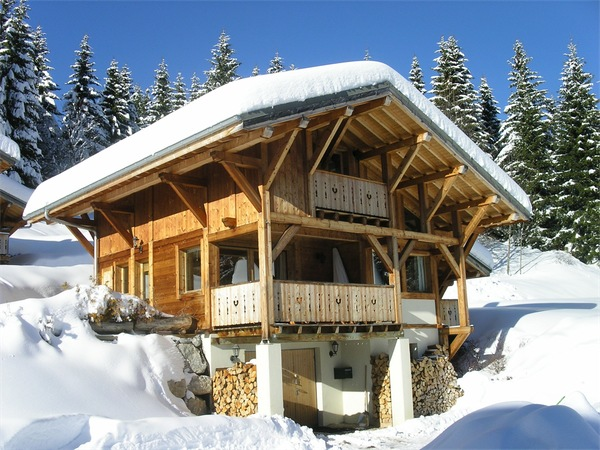 chalet_half_side_winter