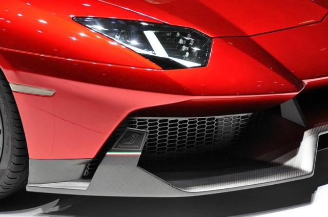10-Lamborghini-Aventador-J