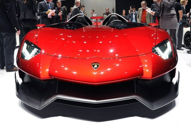 2-Lamborghini-Aventador-J