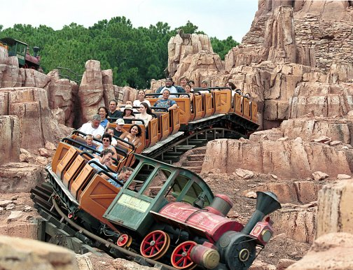 37-disneyland-paris-Big-Thunder- Mountain-Railroad