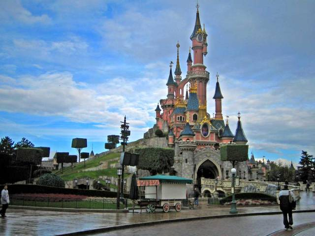 5-disneyland-paris