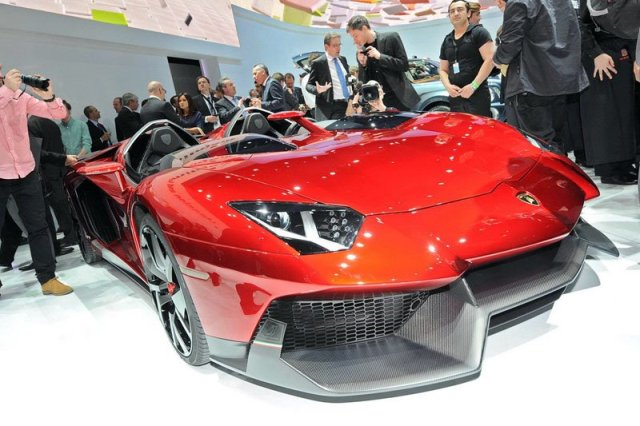 6-Lamborghini-Aventador-J