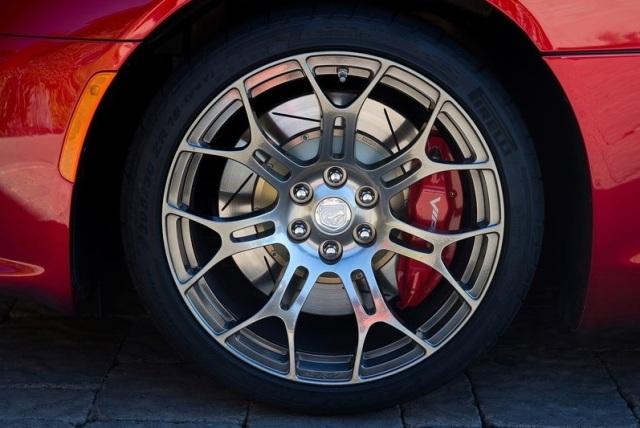 Dodge-SRT_Viper_GTS_2013_40