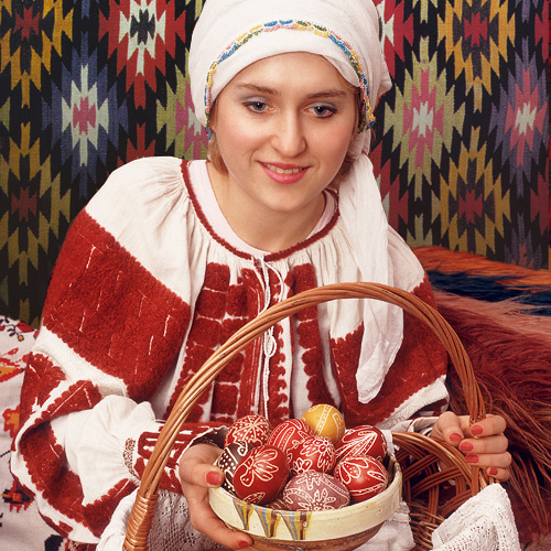 romanian-easter-traditions-painted-eggs3