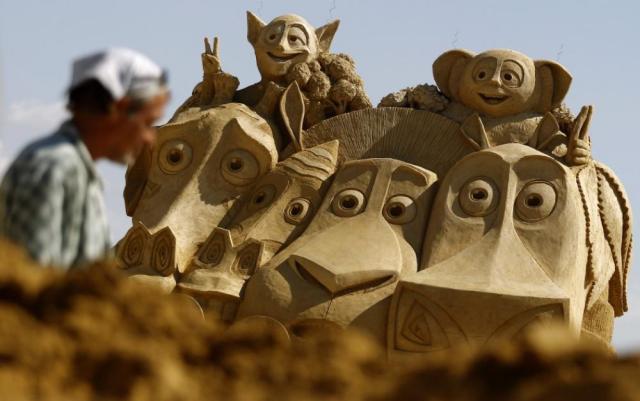 sculpture-sand-10