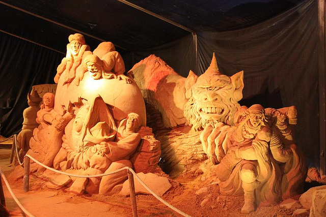 sculpture-sand-17