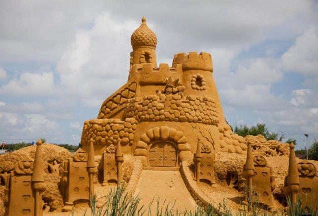 sculpture-sand-3