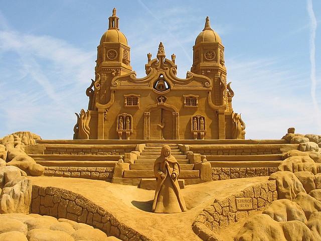 sculpture-sand-6