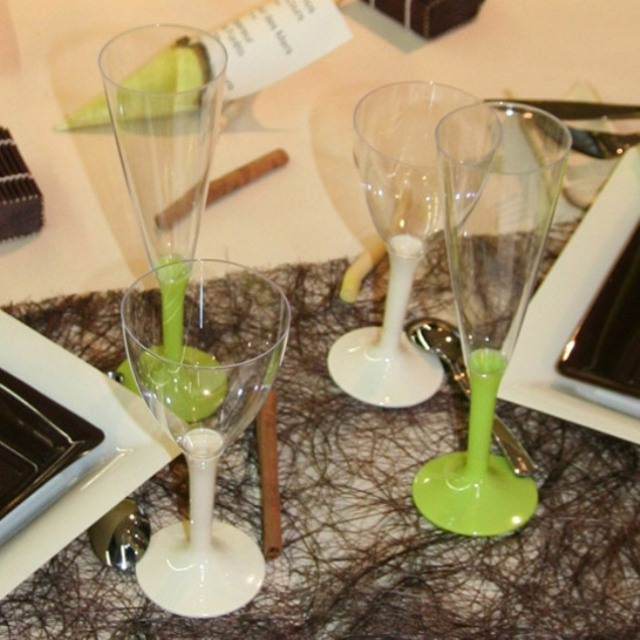 variation-green-table-sets1-3