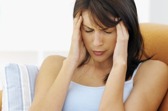 woman-migraine