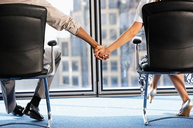 Office-Romance (1)
