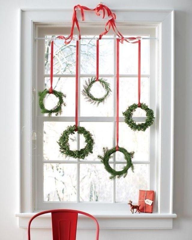 awesome-christmas-window-decor-ideas-15