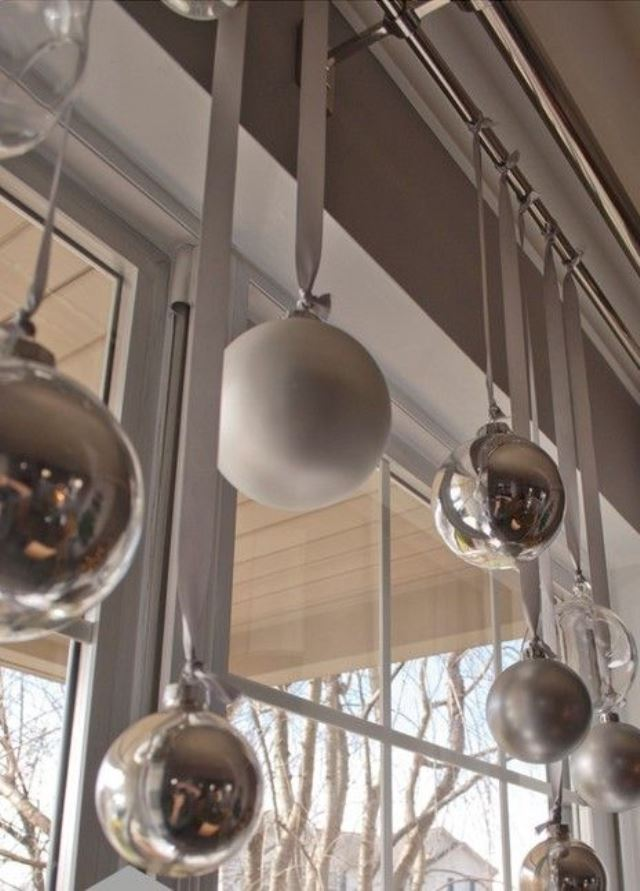 awesome-christmas-window-decor-ideas-21
