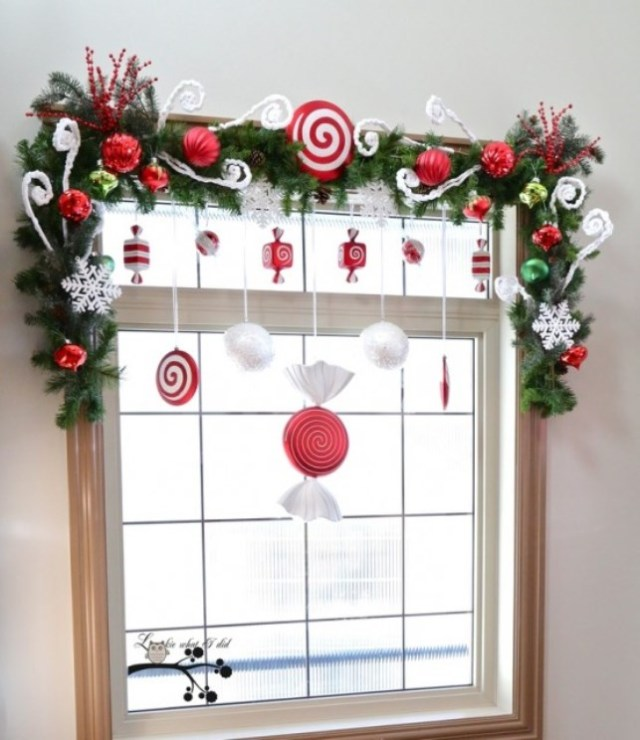 awesome-christmas-window-decor-ideas-27