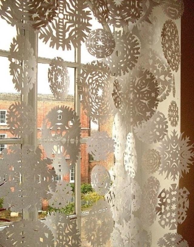 awesome-christmas-window-decor-ideas-3