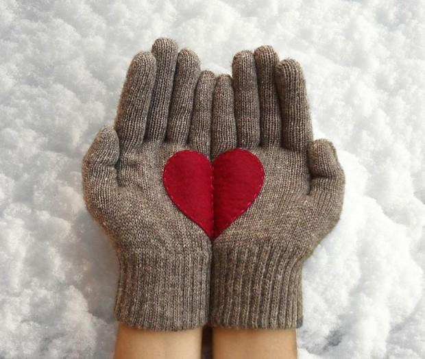 Christmas-Gloves-1
