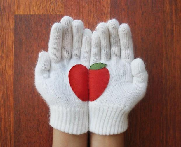 Christmas-Gloves-4