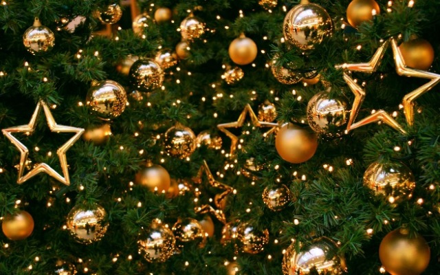 Golden-Christmas-16