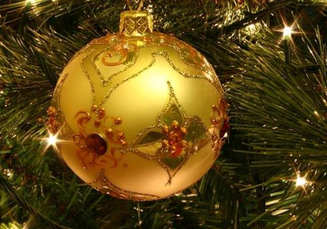 golden-christmas-decor-19