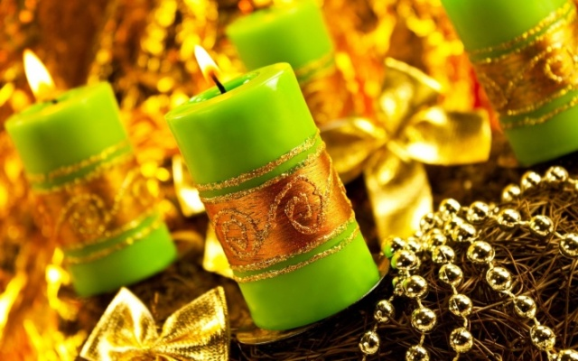 golden-christmas-decor-2