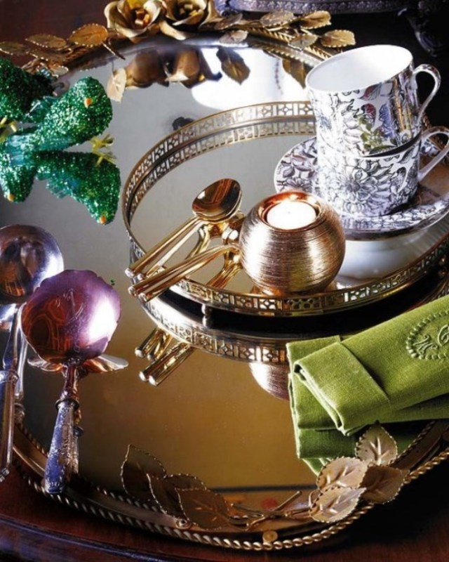 Golden-Christmas-table-7