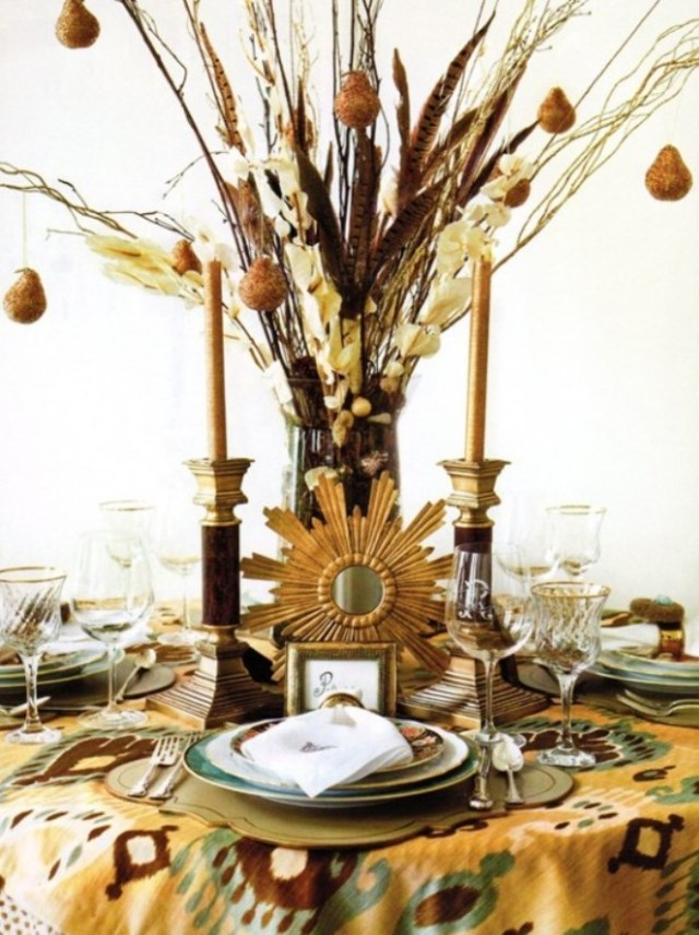 Golden-Christmas-table-8