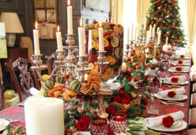 Golden-Christmas-table-9