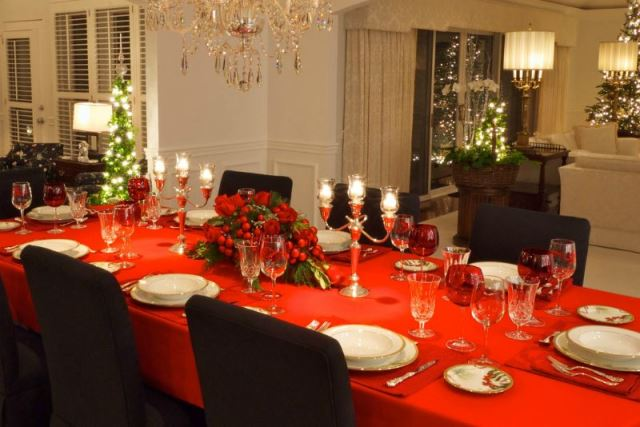 red_christmas_table6-10
