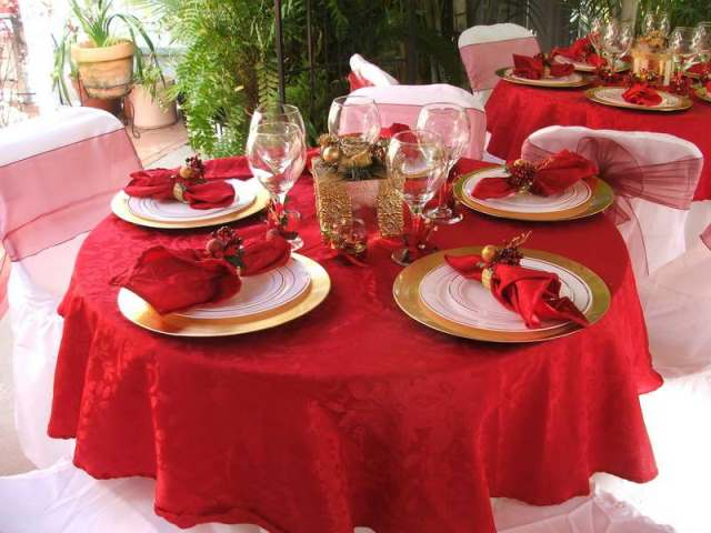 red_christmas_table6-3