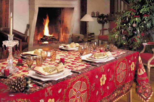 red_christmas_table6-7
