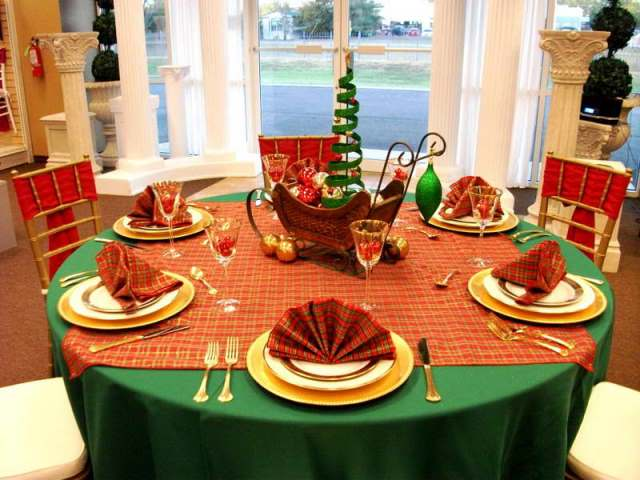 red_christmas_table6-8