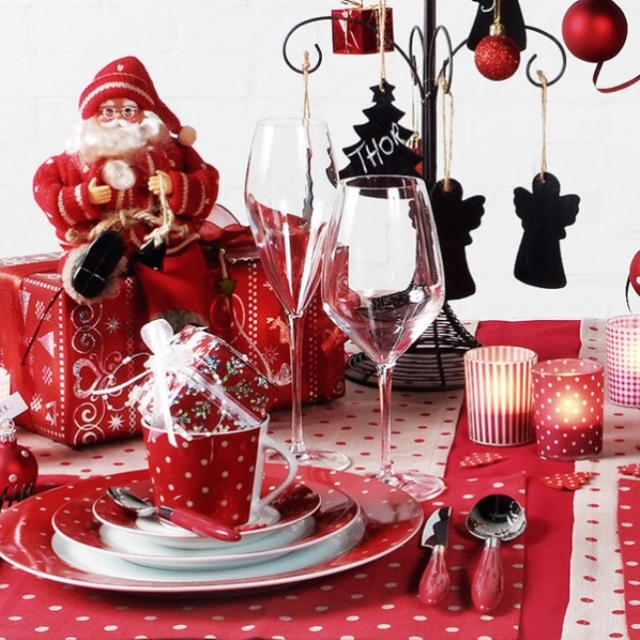 red_christmas_table7-11