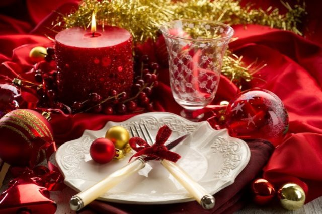 red_christmas_table7-5