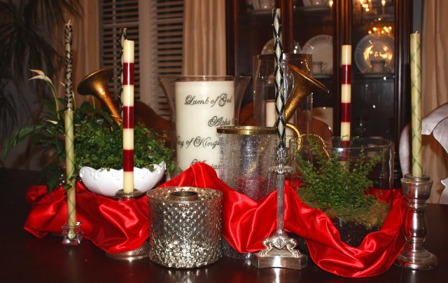 red_christmas_table7-9