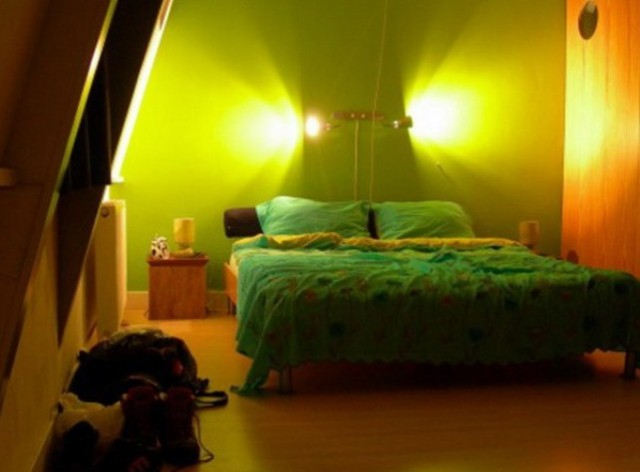 green-bedroom-4