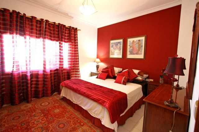 red-bedroom-2