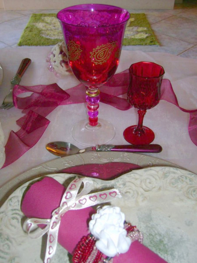 st-valentine-table-setting1-9