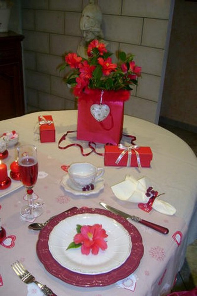 st-valentine-table-setting2-4_0