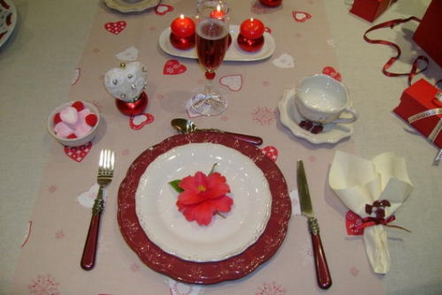 st-valentine-table-setting2-7_0
