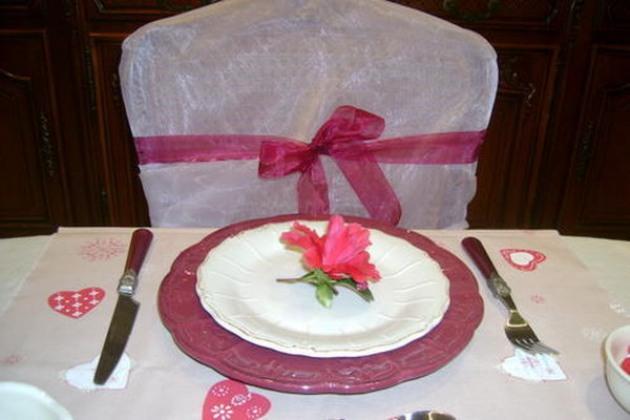 st-valentine-table-setting2-8_0