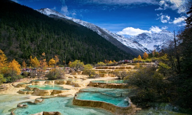 jiuzhaigou-national-park-lake-14