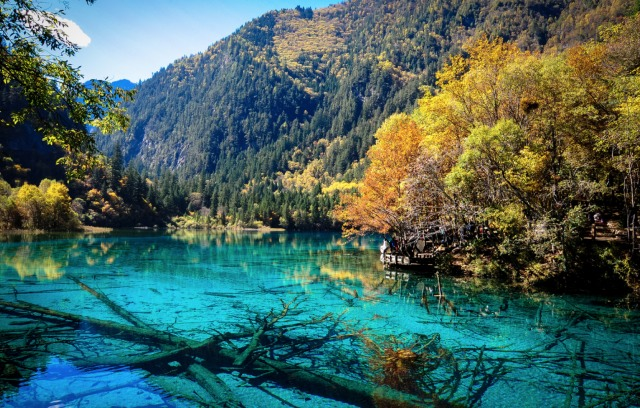 jiuzhaigou-national-park-lake-4
