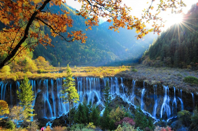 jiuzhaigou-national-park-lake-5