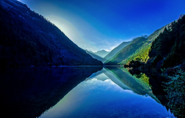 jiuzhaigou-national-park-lake-7