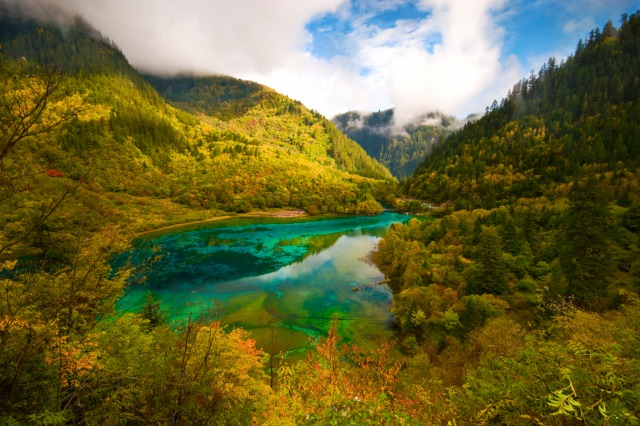 jiuzhaigou-national-park-lake