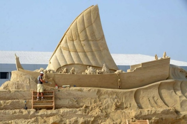 kuwait-sand-sculptures-1