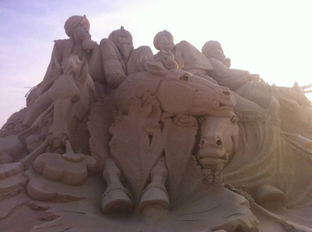 kuwait-sand-sculptures-11