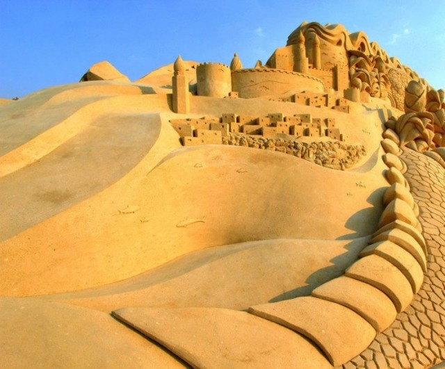kuwait-sand-sculptures-14