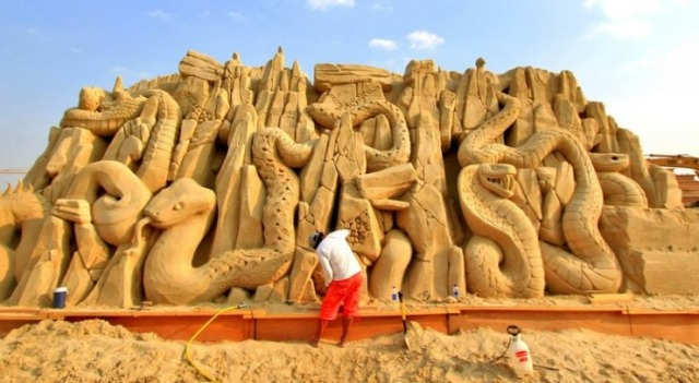 kuwait-sand-sculptures-18
