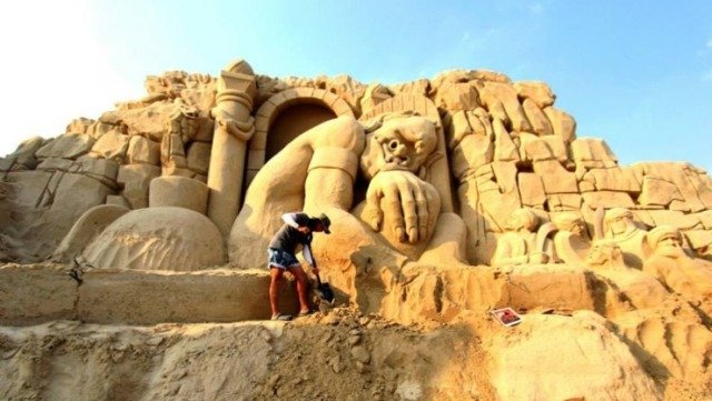 kuwait-sand-sculptures-5
